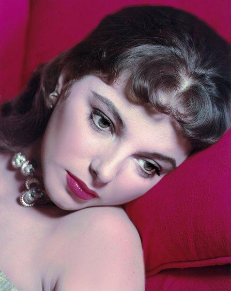 Joan Collins08