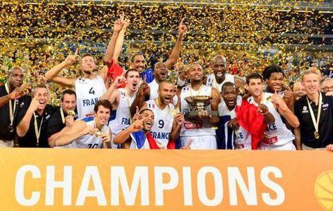 2013.09.22---France-Championne-d-Europe-de-Basket.jpg