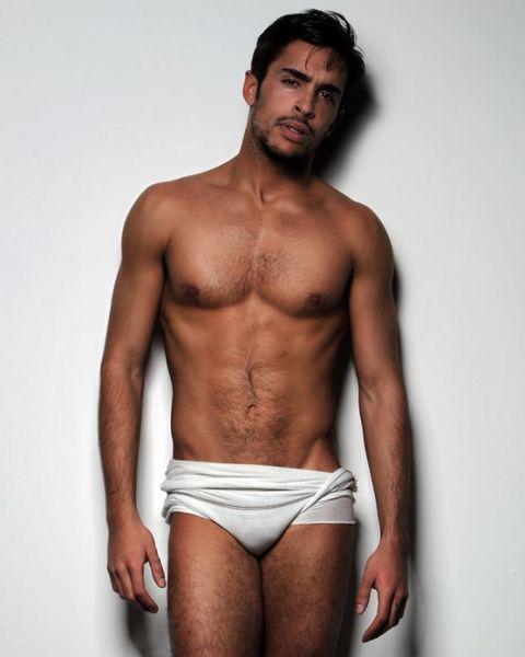 Javier-Covo-Belleza-Masculina-Burbujas-De-Deseo-06-632x790.jpg