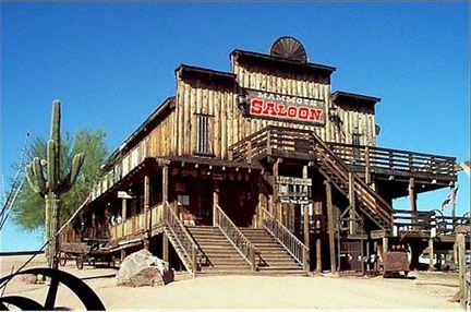 saloon2.jpg