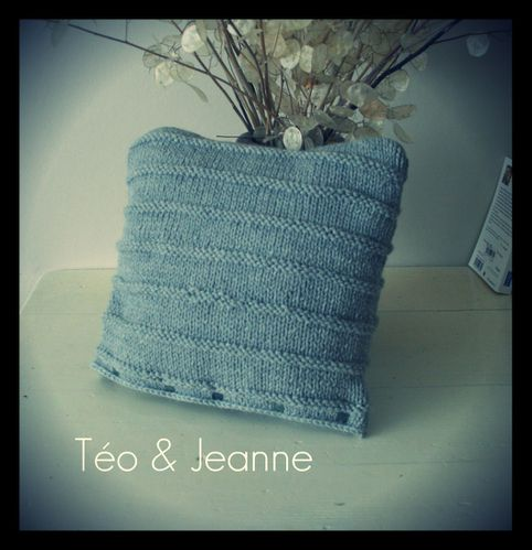 Coussin-tricot-gris-1.jpg
