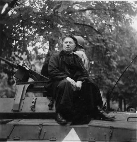Chanoine-Kir-liberation-1944.jpg