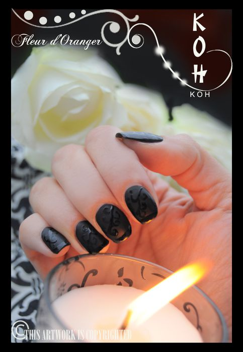 Nail-art-noir-mat-et-brillant 0132 copie