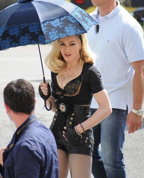 20120618-pictures-madonna-turn-up-the-radio-set-83.jpg