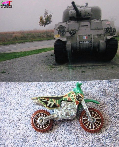hw-450f-moto-de-cross-hot-wheels-thrill-racers-jungle-2011.