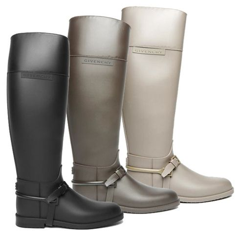 stacey-mayesh-givenchy-rainboots-08-25-10.jpg