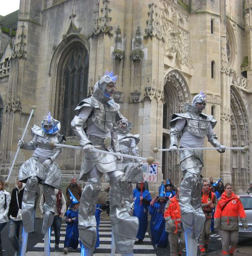 carnaval Flambarts 2011 geants eglise