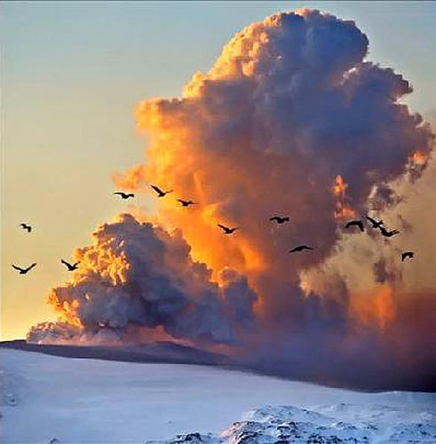 Eyjafjallajokull-Volcanic-Eruption-copie-1.jpg