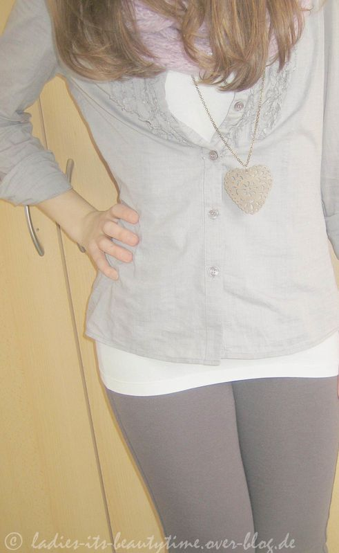 Outfit hellblaugraue bluse2