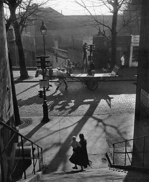 Avenue-Simon-Bolivar-et-Rue-Lauzin--1950.Willy-Ronis.jpg
