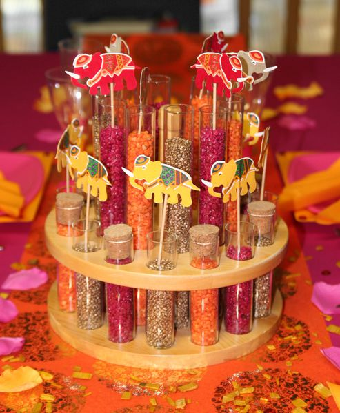 D coration de table orange fuchsia et jaune le blog d 39 articles fetes c - Decoration mariage hindou ...