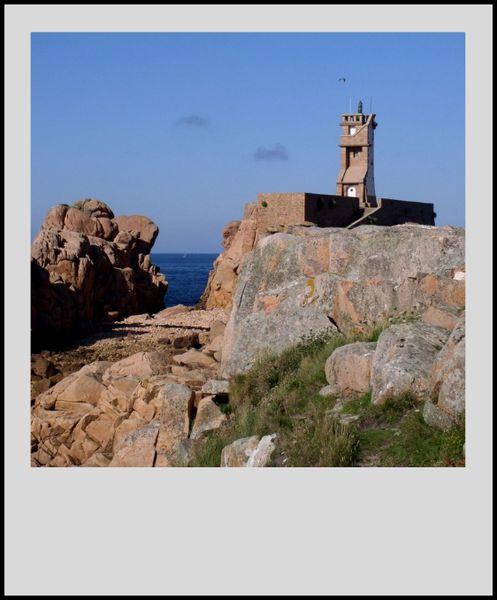 phare-du-Paon--Brehat-1.jpg