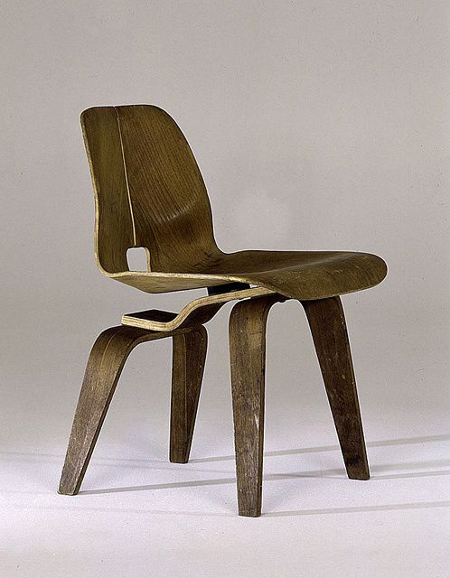 clounge-chair-prototype-by-ray---charles-eames--1945-.jpeg