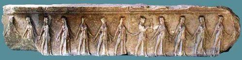 850i2 Frise des danseuses, Samothrace (vers 340 avant JC)