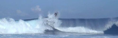 Tshany-Teissier-Bodyboard-Tahiti-Sapinus-Prone-10.jpg