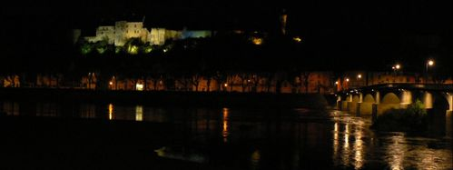 chinon chateau nuit