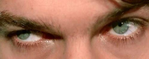 eyes-green-yeux-vert.JPG