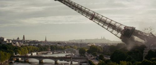 Tour_Eiffel_effondree02.jpg