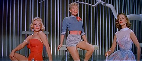Marilyn_Monroe-_Betty_Grable_and_Lauren_Bacall_in_How_to_Ma.jpg