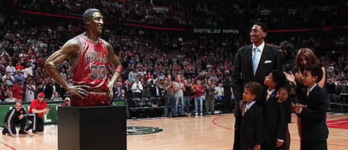 scottie-pippen-statue-bronze-chicago-bulls-nba.jpg