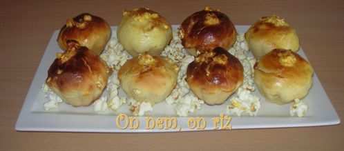 Mini-brioches-popcorn-abricots1-copie-1.JPG