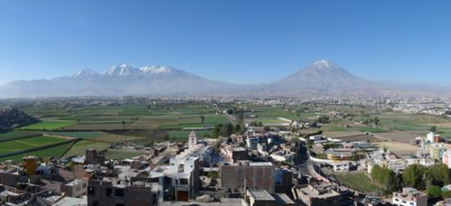 arequipa-volcans.jpg