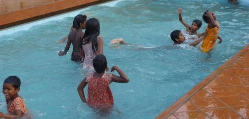 piscine-APRES-SCHOOL.jpg