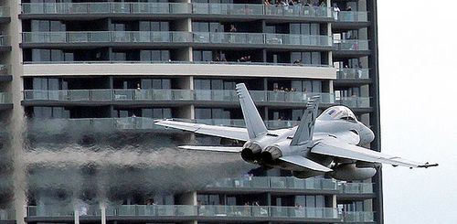 Des-Superhornet-Riverfire-Photo3-600x400.jpg