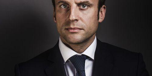 Macron-02.jpg