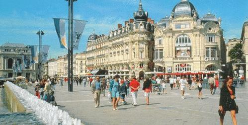 place-comedie-now.JPG