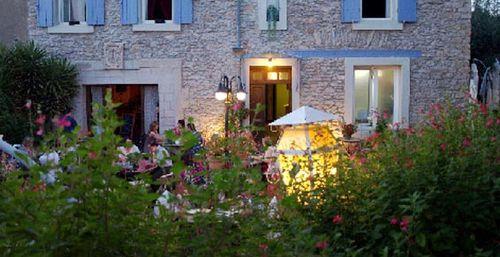 caracssonne-restaurant