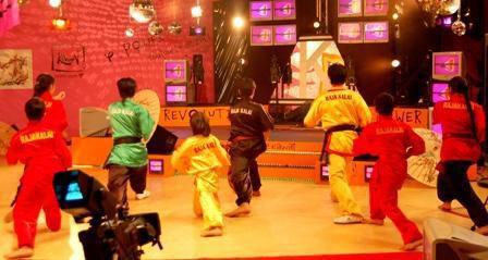 25-janvier-2006-kawai-filles-tv-finale-2.jpg