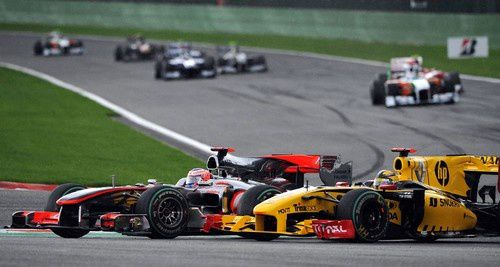 Belgique-2010-Button-passe-Kubica