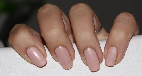 faux ongles discret