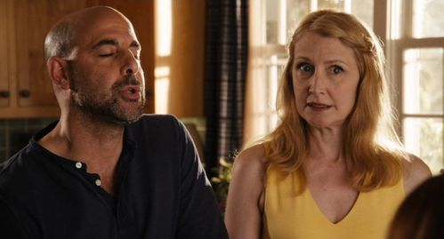 Easy A (03) - Stanley Tucci & Patricia Clarkson