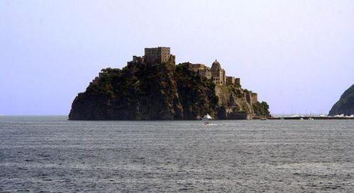 532d2 Ischia, le château aragonais