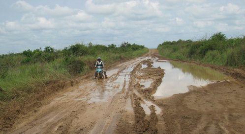 makabana-piste-bourbier-moto