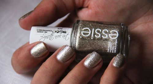 Essie beyond cozy7