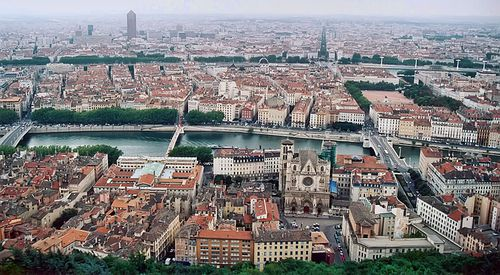 800px-Lyon_vue_depuis_fourviere.jpg