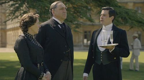 carson-and-mrs-hughes--downton-abbey.jpg
