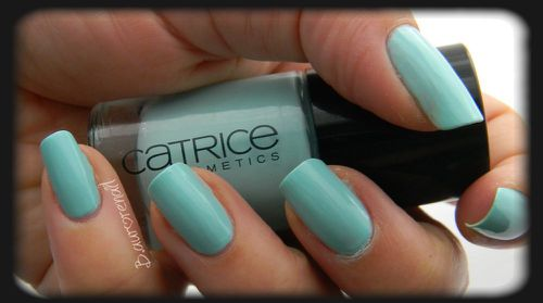 catrice-540-am-i-blue-or-green-3.JPG
