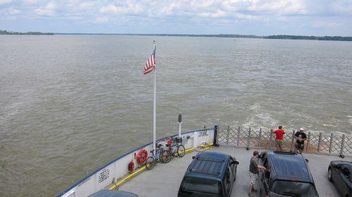 Ferry sur James River (1)