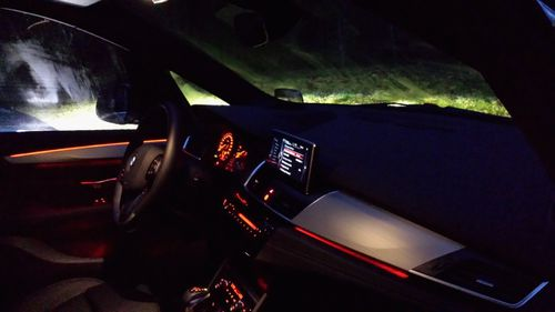 active-tourer-nuit-bmw-ambiance.jpg