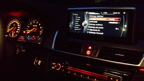 ambiance-nuit-active-tourer-bmw.jpg