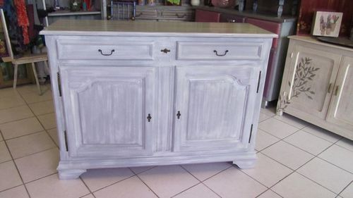 Buffet relook en gris patin blanc miloutractou ou les for Meuble patine blanc gris