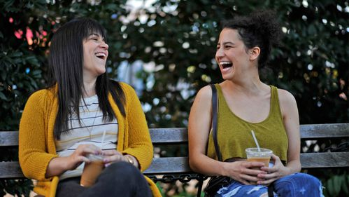 zap-broad-city-season-1-photos-20140325-006.jpg