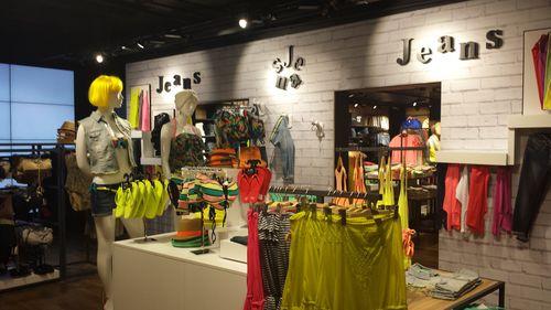 Retail-distribution-La-halle-2.jpg