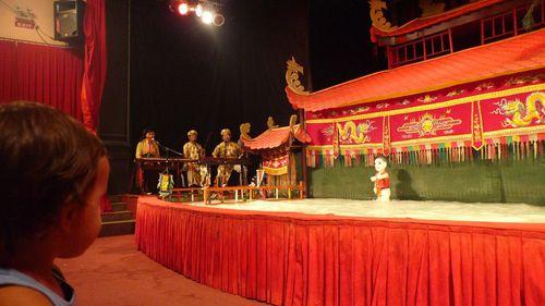 ma156-Saigon Marionnettes Sur Eau