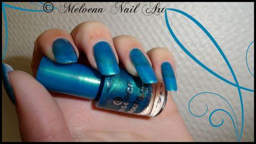 vernis essence bleu acidulé