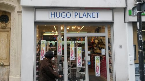 Hugo-planet.Chaussures-confort.-Paris.jpg